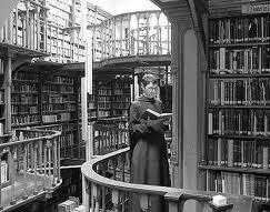 13_12_28_Bibliothek
